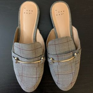 Mules/backless loafers